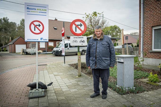 """Mobiliteitsschepen Geert Moerkerke : """"Vlotter verkeer door eenrichting.""""©JOKE COUVREUR"""