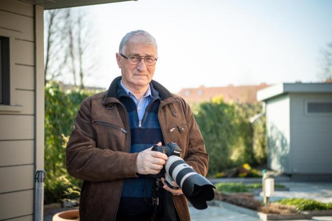 Eric Debersacques met zijn fototoestel in de aanslag.© Frank Meurisse