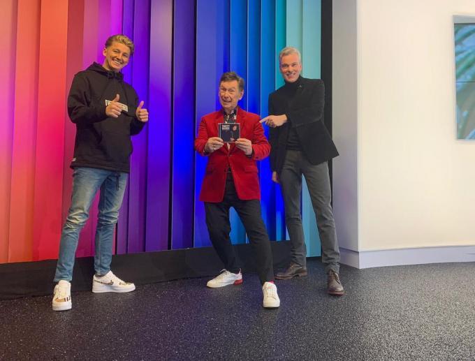 Bij MENT TV in Mariakerke (Gent) kwam Mart al eens Koen Crucke uit De Haan en Herbert Verhaeghe uit Kuurne tegen.© gf