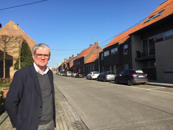 """Burgemeester Patrick Lansens: """"De vernieuwing van de Sterrestraat wordt 100 procent gesubsidieerd, zowel voor de riolering als het wegdek en de voetpaden."""" (foto BC)"""