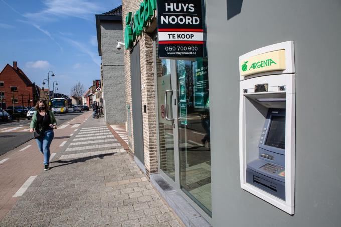 De bankautomaat van Argenta in Sijsele. Als die verdwijnt, is er in die deelgemeente nog één automaat. (foto Davy Coghe)©Davy Coghe Davy Coghe