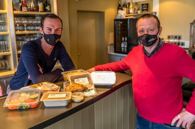 Benoit Goossens en Marnik Dutry kijken reikhalzend uit naar de heropening van de horeca.©Wouter Meeus Wouter Meeus