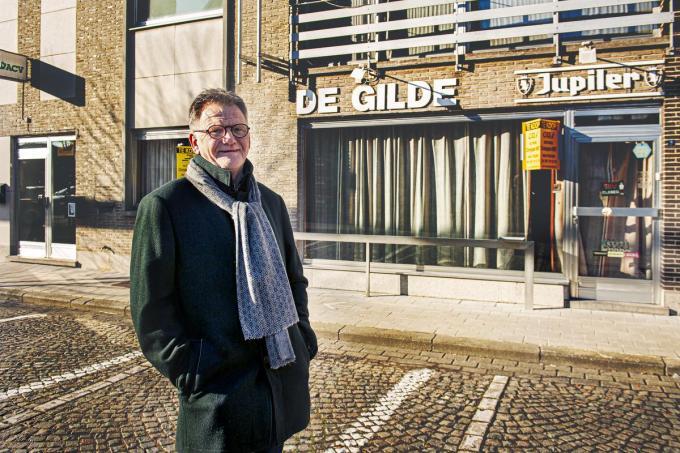 Chris Verlae, broer van de overleden Stef, acht de kans klein dat het gebouw opnieuw onderdak zal bieden aan een café.©JOKE COUVREUR JCR