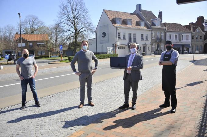Bram Geysen, Mattias Meuleman, Jan de Keyser en Pieter Demey van Choc'Atelier trekken de kaart van de digitale ondersteuning.© GST