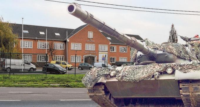 Straks komen er onder meer Leopard-tanks naar de kazerne van Ieper.© EG/Belga