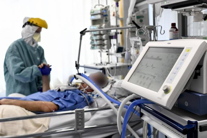 Opnieuw meer Covid-19-patiënten komen op intensieve zorgen terecht.© Belga