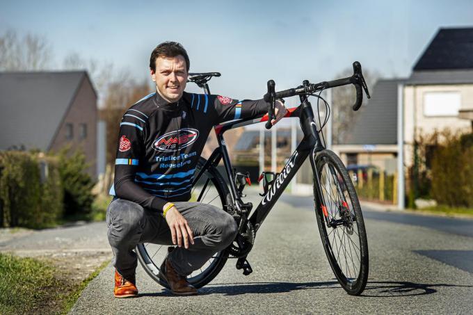 """Glenn Verholle, de voormalige leraar van Lance, is de drijvende kracht achter het triatlonverhaal. """"Helaas stuurt corona onze plannen serieus in de war, maar we geven niet op.""""© JCR"""