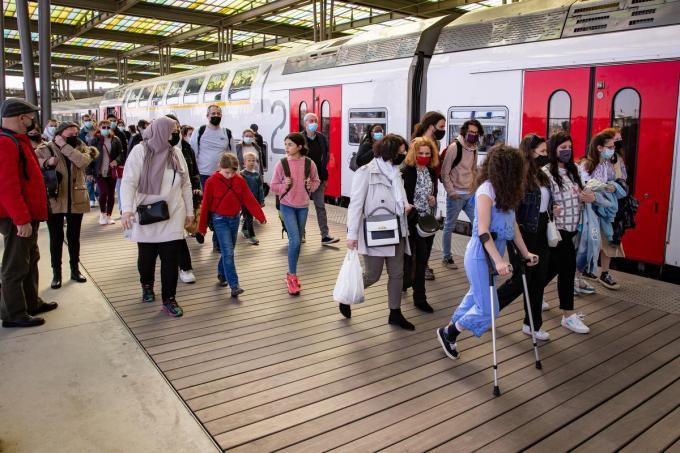 Onder meer in het station van Oostende was het dinsdag erg druk.© BELGA/KURT DESPLENTER