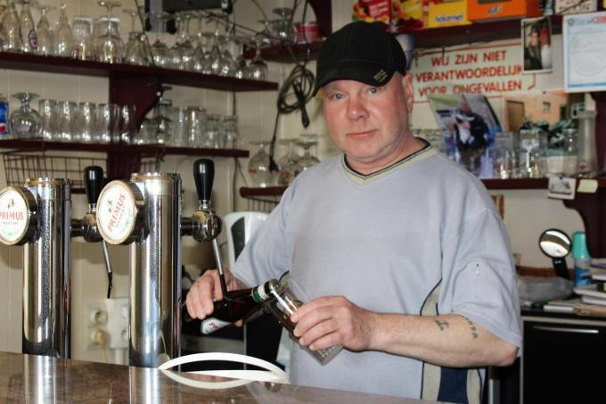 Ben Lagrou hoopt op 1 mei opnieuw zijn pinten te kunnen vullen voor de klanten die hij een warm hart toedraagt.©Laurette Ingelbrecht LIN