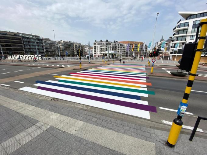 Open VLD hoopt dat er effectief een regenboogzebrapad komt aan het station van Blankenberge.© WK
