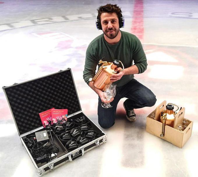Met de 'fuif-in-een-doos' biedt Kenneth een origineel alternatief aan voor fysieke fuiven.© CL