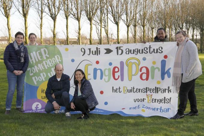 Drie koppels zetten hun schouders onder het project Engelpark. (foto Coghe)©GINO COGHE Foto Coghe