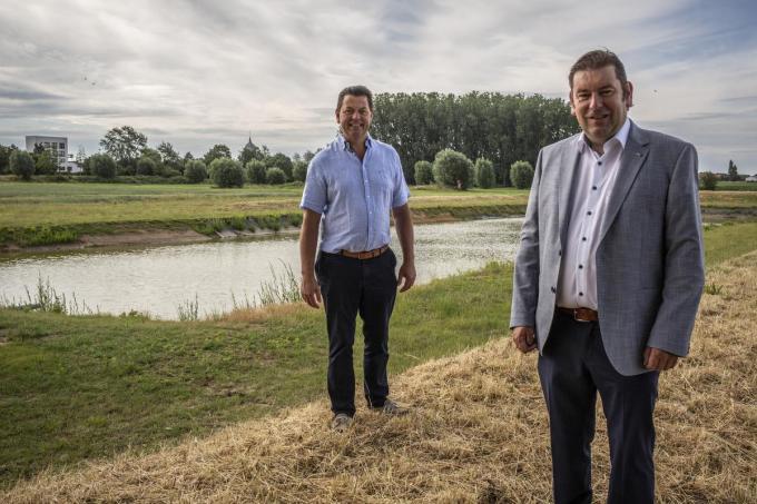 Provincieraadslid Piet Vandermersch en burgemeester Bart Dochy. (foto JS)© ©2020 Jan STRAGIER