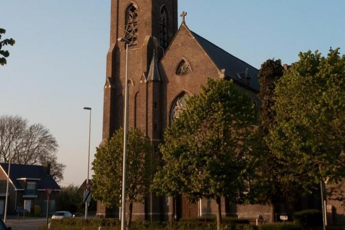 De Sint-Amandus Kerk in Kerkhove werd opgekocht door de gemeente Avelgem.© gf