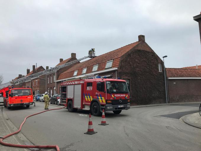 De brandweer onderwierp de schouw aan een grondige controle.© DBI