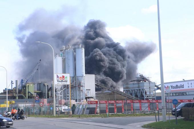Onlangs woedde voor de derde keer brand bij Galloo.© CL