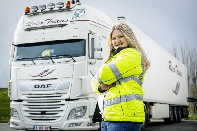 Hayley Velghe volgt momenteel een opleiding tot vrachtwagenchauffeur.©JOKE COUVREUR