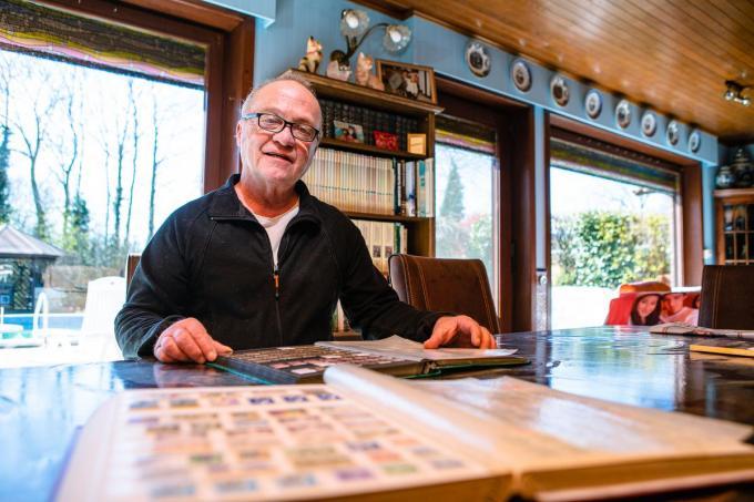 Randy Geldhof denkt nog lang niet aan stoppen en lanceert een warme oproep om hem nog meer postzegels te bezorgen.© Davy Coghe