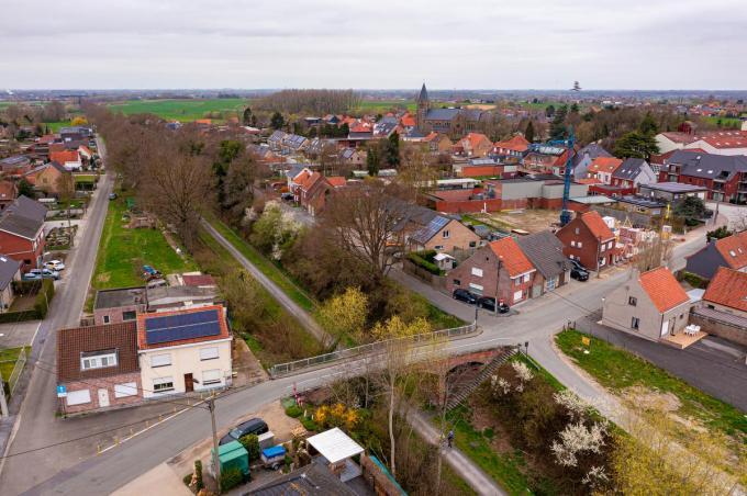De dorpskern van Wijnendale, waar ook de Groene 62 passeert, een groene, autovrije as voor wandelaars en fietsers. (foto Kurt)©Kurt Desplenter Foto Kurt