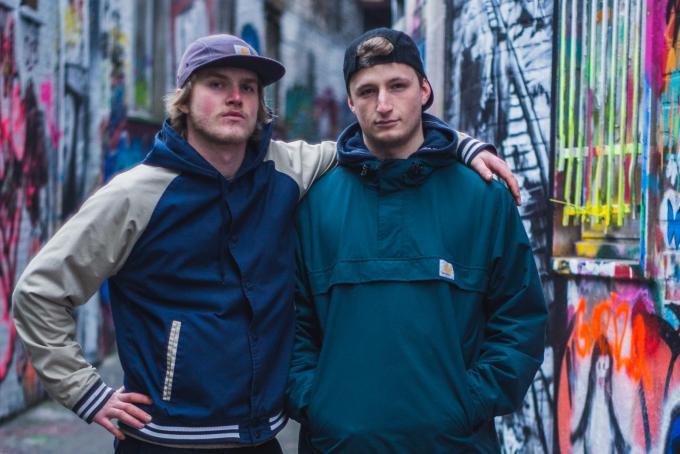 We zien Odiel Benoot (Frishjn) en zijn beatproducer Hannes Barzeele (Barrieclaat).© focus.bysarvar