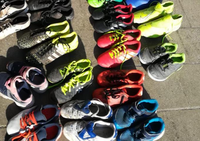 Een groot deel van de ingezamelde schoenen zal heel binnenkort een tweede leven krijgen in Oeganda.© JPV