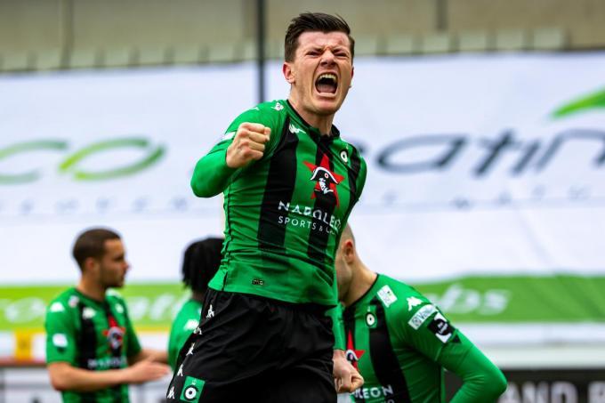 Giulian Biancone schreeuwt het uit. Mede dankzij een goal van de verdediger doet Cercle Brugge een goede zaak in de strijd om het behoud.©KURT DESPLENTER BELGA