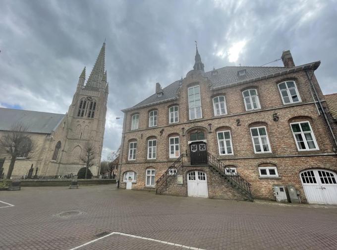 Het gemeentehuis van Boezinge wordt verkocht.© TP