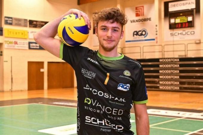 Simon Plaskie verdedigt voor minstens één seizoen de kleuren van Menen.© (foto www.volleymenen.be)