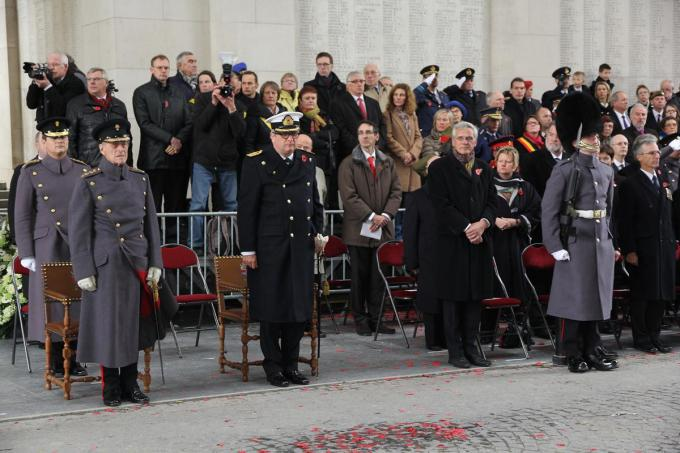 Prins Philip zie je links naast prins Laurent.©Eric Flamand
