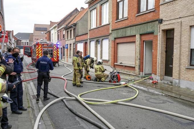 Brandweerploegen van over de hele zone repten zich ter plaatse.© CLL