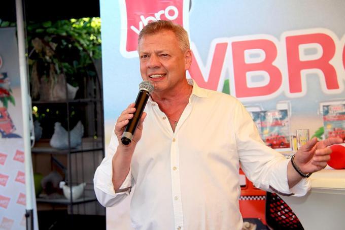 Vanaf 2 juli presenteert Paul Bruna iedere vrijdagnamiddag 'VBRO Te Lande' in De Kippe in Merkem.© PADI/Daniël