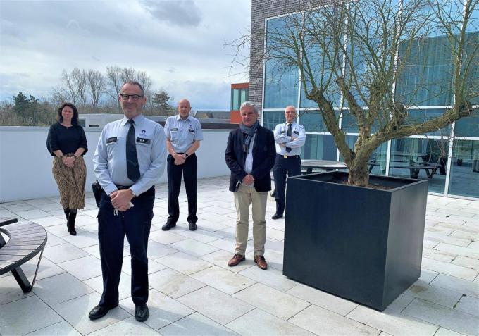 Vooraan inspecteur Nick Van Rompaey die met pensioen gaat.© MVO