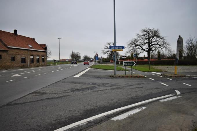 In plaats van drie onbeveiligde oversteken, komt er nu één beveiligde.© Tom Gheeraert