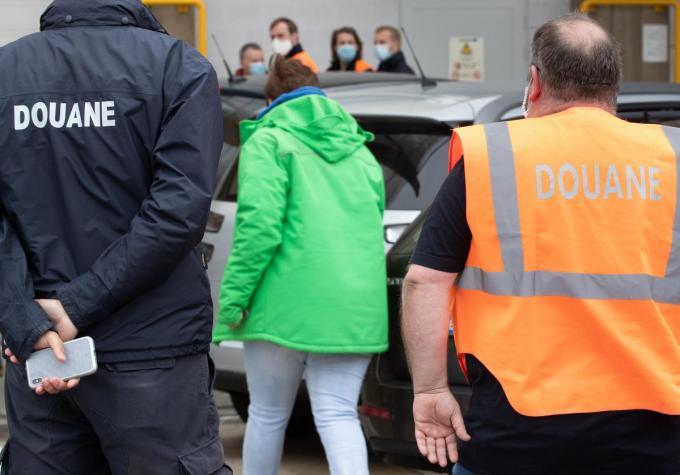 De douane voert stiptheidsacties.©BENOIT DOPPAGNE BELGA