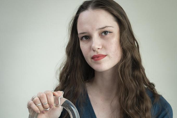 Marie-Hélène Beernaert lijdt aan de erfelijke aandoening hEDS in combinatie met dysautonomie.© Stefaan Beel
