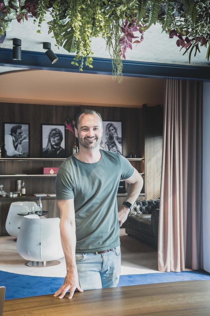 """""""Tegen het einde van het jaar wil ik hier tien freelancemakelaar samen brengen. Elk met hun eigen stijl.""""© Olaf Verhaeghe"""