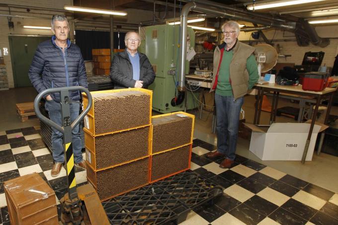 Bertrand Verhaeghe, Gaby Versyck en Marcel Verhaeghe zijn de gepassioneerde gidsen van het Tabaksmuseum in Handzame.©GINO COGHE Foto Coghe