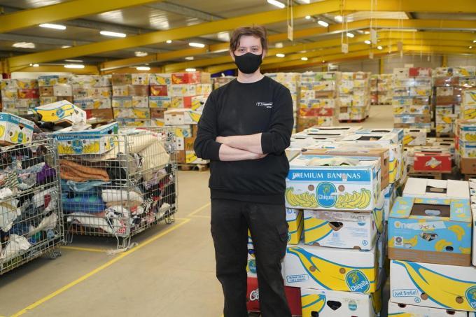 """""""Alle opgehaalde en binnengebrachte goederen worden eerst aan een grondige inspectie onderworpen"""", vertelt Wouter Kerckhove.© Luc"""