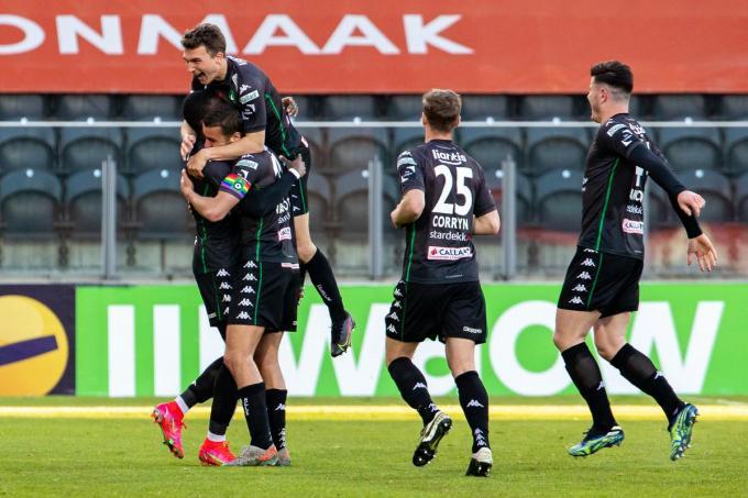 Cercle Brugge viert het doelpunt van Ugbo.© BELGA