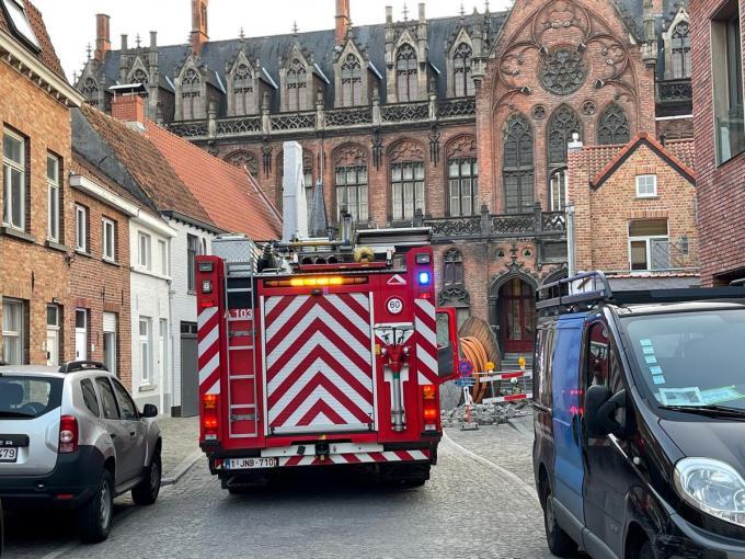 In de Kapellestraat en Sint-Jorisstraat in Brugge werd maandagavond 19 april een sterke gasgeur waargenomen.© JVM