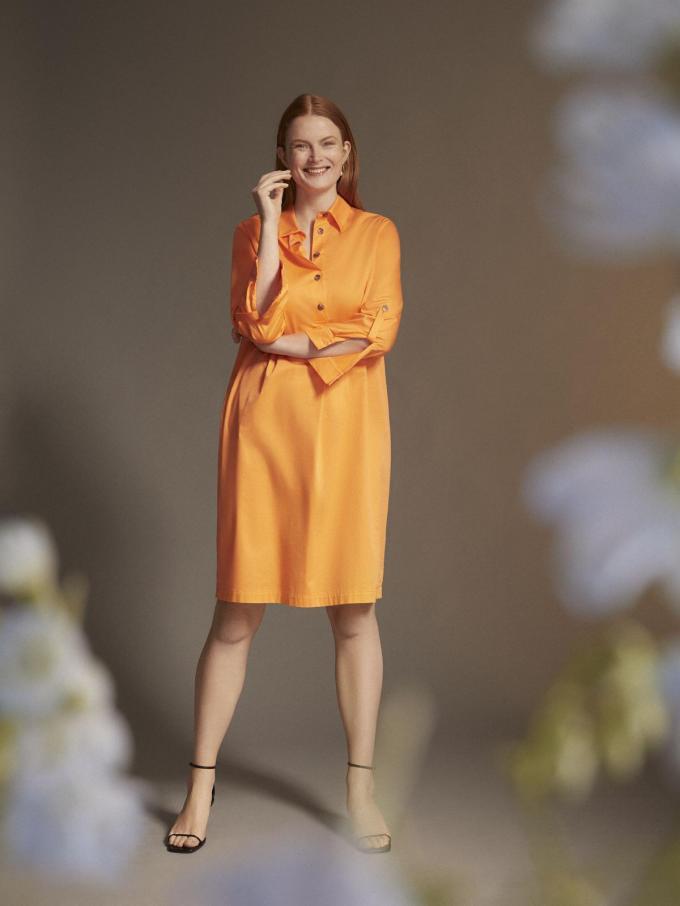 Zonnige rechte jurk (199 euro), uit de Xandres Gold-collectie.©  Xandres Gold