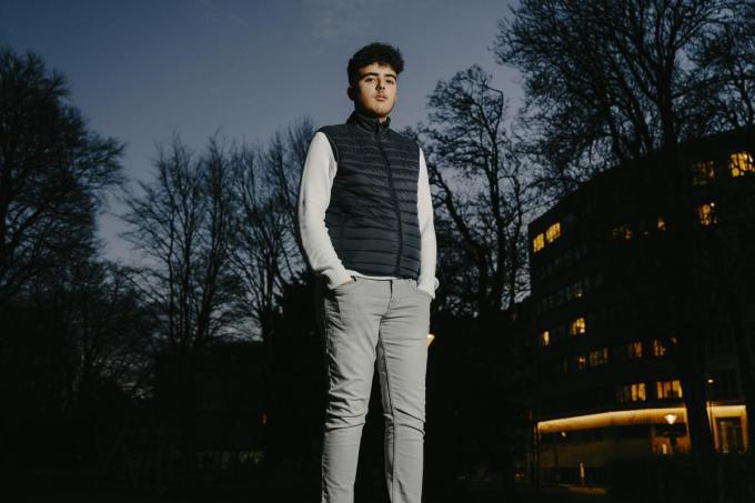 """Amir Bachrouri, voorzitter van de Vlaamse Jeugdraad: """"Ik heb een stem en wil die zinvol gebruiken."""" (Foto Damon De Backer)"""