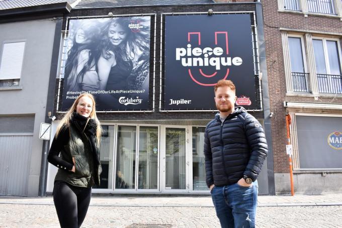 Laura Perneel en Michiel Sabbe zijn de nieuwe zaakvoerders van danscafé Pièce Unique.©TOM VAN HOUTTE foto TVW
