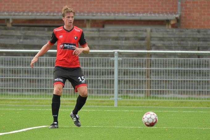 Mathias Velghe zla voortaan enkel nog naast het veld in het Terschuerenpark te bewonderen zijn.©Vuylsteke Dirk / VDB VDB
