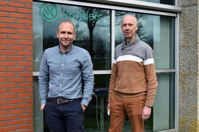 Op foto Wouter Dursin en Gerrit Vonck aan de locatie op Ter Waarde. (foto EG)