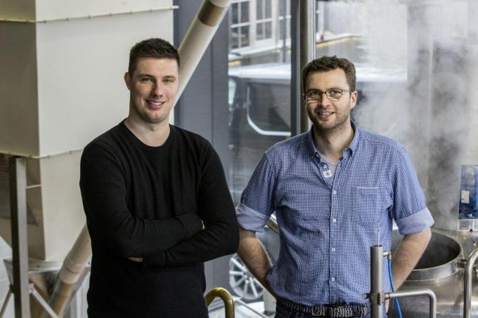 Dario Clauw en Nicolaas Balloey in de brouwerij.©Kenze Bedert