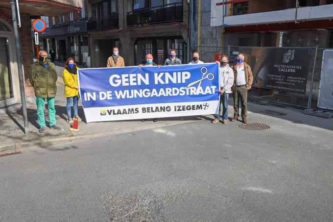 """Als dit plan doorgang vindt, sluit je de verbinding met Emelgem via de centrumbrug af"", meent Giel Seynaeve (Vlaams Belang).© Frank Meurisse"