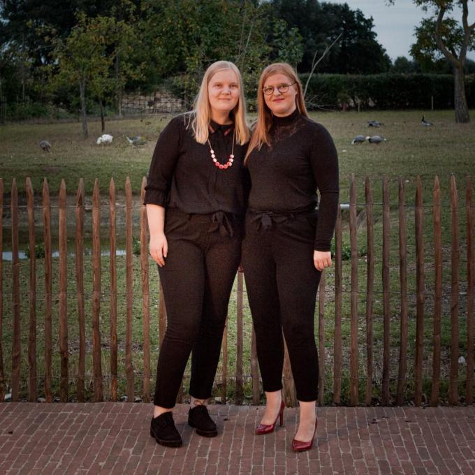 Enkele jaren geleden namen de zussen Julie en Fien Vanneste de fakkel over.© TV