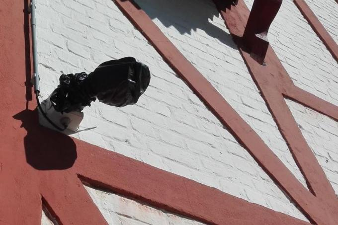 Op de technische dienst hangen drie camera's© NVZ