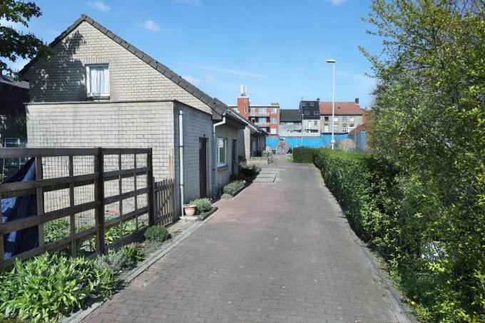 Nabij de Blekerijstraat, de Koer Vanthuyne en de parking Deprez zijn er sociale woningen, parkeergelegenheid en een tuin voorzien.©Johan Sabbe